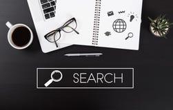 Schreibtisch mit Notebook- und Benennung Suchgeschäft stockbilder
