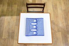 Schreibtisch und Stuhl in der Vorschule Lizenzfreies Stockbild