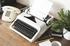 Schreibtischabschluß der Achtziger Jahre oben Lizenzfreie Stockfotos