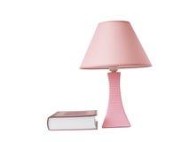 Schreibtischlampe und das Buch Lizenzfreie Stockbilder