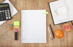 Schreibtischnotizblock Stockfoto