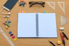 Schreibtischwerkzeuge für Arbeit Stockbild