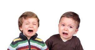 Schreien der kleinen Brüder lizenzfreies stockfoto