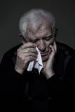 Schreiender alter Mann lizenzfreies stockfoto