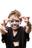 Schreiendes gehendes totes Zombiekinderjungenhalloween-Horrorkostüm Stockbild