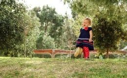 Schreiendes kleines Mädchen Stockbild