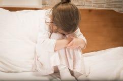 Schreiendes kleines Mädchen Lizenzfreies Stockfoto