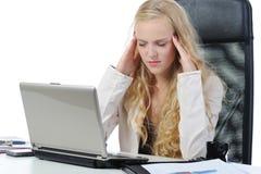 Schreiendes Mädchen im Büro. Lizenzfreie Stockfotos