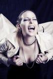 Schreiendes Portrait der jungen Frau der Schönheit Lizenzfreies Stockfoto