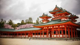 Schrein Heian Jingu in Kyoto, Japan lizenzfreies stockbild