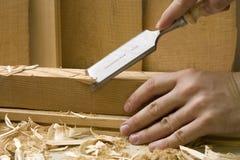 Schreinereiwerkstatt mit hölzernen Hilfsmitteln Stockfoto