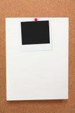 Schrijfpapier en lege foto Royalty-vrije Stock Afbeeldingen