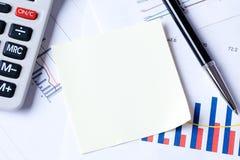 Schrijfpapier op businessplan Royalty-vrije Stock Foto