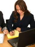 Schrijven het bedrijfs van de Vrouw het Businessplan van  Stock Foto's