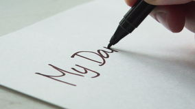 Schrijvend de woorden van een brief Mijn Schat stock video