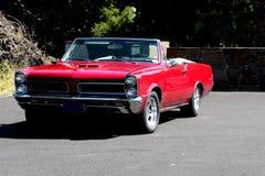 Schrijver uit de klassieke oudheid 1965 Convertibel Pontiac GTO Royalty-vrije Stock Foto's
