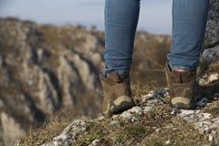 Schritt auf Felsen Stockfoto
