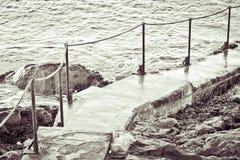 Schritte in dem Meer Lizenzfreies Stockbild