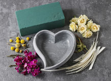 Schritte des Treffens des Blumengestecks Lizenzfreies Stockfoto