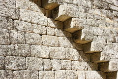 Schritte des Walls des Schlosses in Monsanto, Portugal Lizenzfreies Stockbild