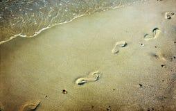 Schritte im Sand Lizenzfreies Stockbild