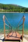 Schritte zu einem See Lizenzfreies Stockfoto