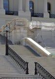 Schritte zum US-Kapitol, das DC aufbaut Stockfoto