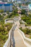Schrittweise zu Tempel Khao Takiab Bergkhao Takiab alias des Affeberges oder des Essstäbchenberges, Hua Hin-Bezirk, Pra Lizenzfreie Stockbilder