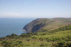 Schroffe Küstenlinie von Nord-Devon England Stockbild