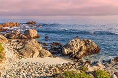 Schroffe Kalifornien-Küste Stockfotos