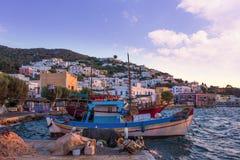 Schronienie Agia Marina, Leros wyspa, Grecja, w wieczór Zdjęcie Stock