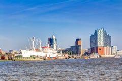Schronienie i Elbphilharmonie w Hamburg Obraz Stock