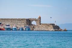 Schronienie i zabytki w Rhodes zdjęcia royalty free