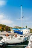 schronienie kotwicowy jacht Fotografia Royalty Free