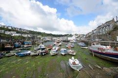Schronienie mała Kornwalijska wioska rybacka Zdjęcie Royalty Free