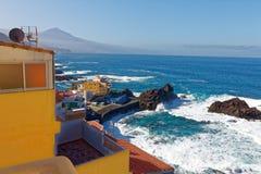 Schronienie przy El Pris wioską rybacką, Tenerife, Hiszpania Fotografia Royalty Free