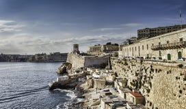 Schronienie Valletta z Dzwonkowy wierza pomnikiem, Malta Obrazy Royalty Free
