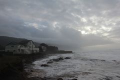 Schroniskowa zatoczka, Kalifornia pogoda sztormowa zdjęcia stock