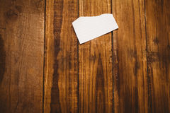 Schroot van document op houten lijst Stock Foto