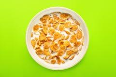 Schüssel mit Corn-Flakes Lizenzfreies Stockfoto