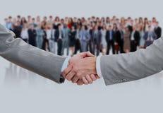 Schuddend handen en commercieel team royalty-vrije stock foto