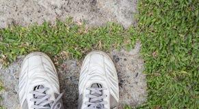 Schuh auf Bahngarten Stockbilder
