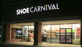 Schuh-Karnevals-Speicher-Front Stockfotografie