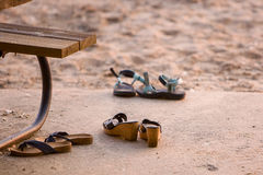 Schuhe auf Strand Stockfoto