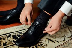 Schuhe der Männer Stockfotografie