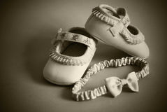 Schuhe für kleines Mädchen Stockfotografie