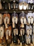 Schuhe für Verkauf Stockbild