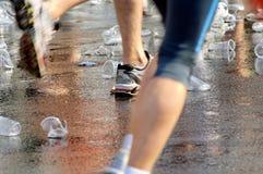 Schuhe und Cup Stockbild