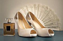 Schuhe und Parfüm Lizenzfreies Stockfoto