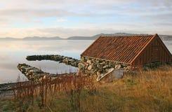 Schuilplaats door de kust Royalty-vrije Stock Foto